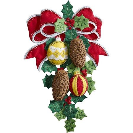 Bucilla 86678 Pinecones and Holly