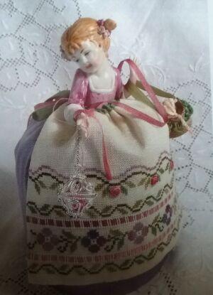 Puncushion Doll Patrizia – a Little Girl