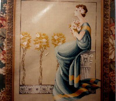 Mirabilia MD01 Damask Roses