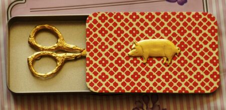 Gold Piggy Needle box